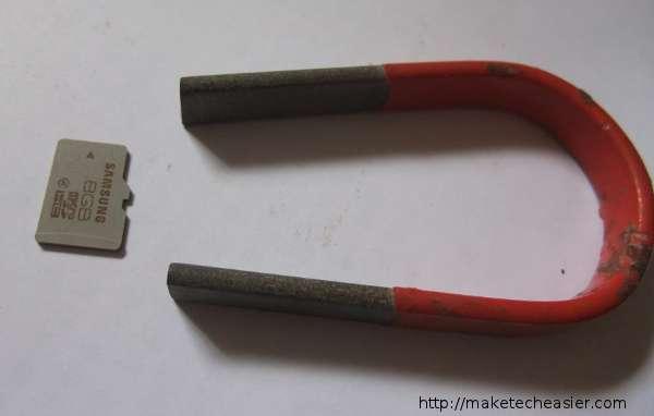 sdcard-beside-magnet