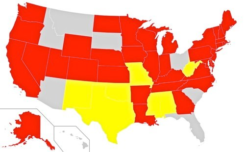 Map of the United States showing states with texting while driving laws. States in red ban texting while driving for all drivers, while states in yellow do so only for new drivers.