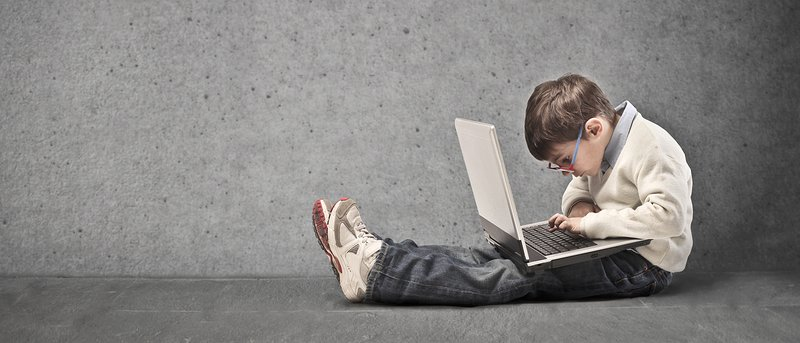 At What Age Should Kids Be Exposed to the Internet? [Poll]