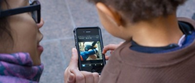 Do You Think Kids (under 12) Should Carry a Smartphone? [Poll]