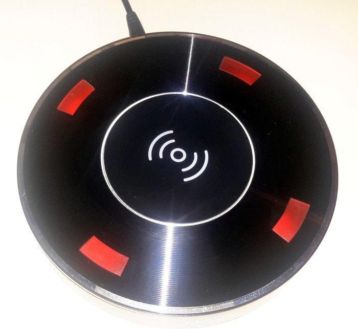 moto-x2-speaker-base-leds