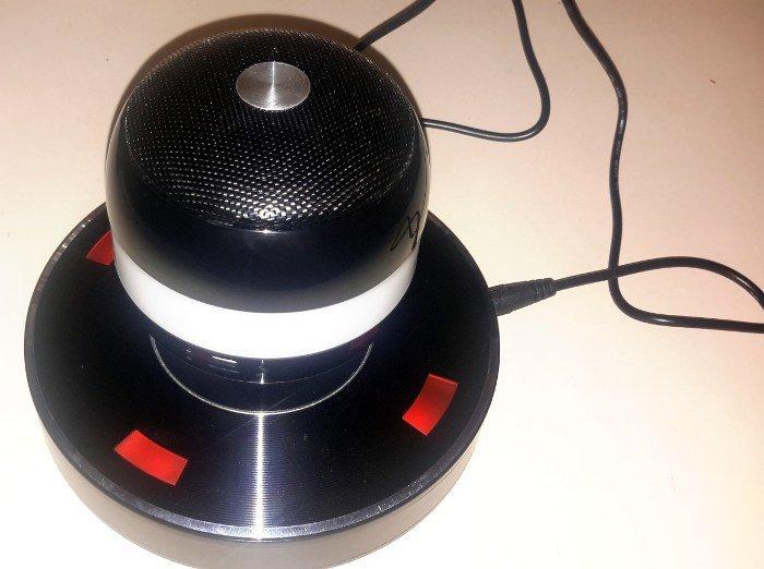 moto-x2-speaker-full-view
