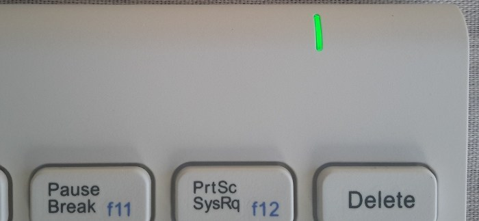 inateck-bluetooth-keyboard-led-indicator