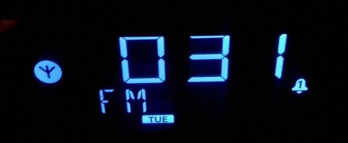 neon-alarm-clock-fm-mode