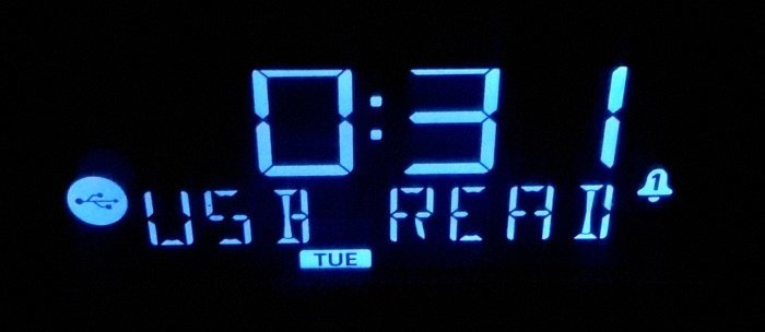 neon-alarm-clock-usb-mode