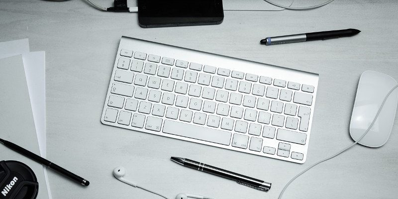 Don't Let Your Wireless Mouse or Keyboard Get Hacked - Make