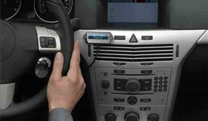 Bluetooth-Uses-in-cars