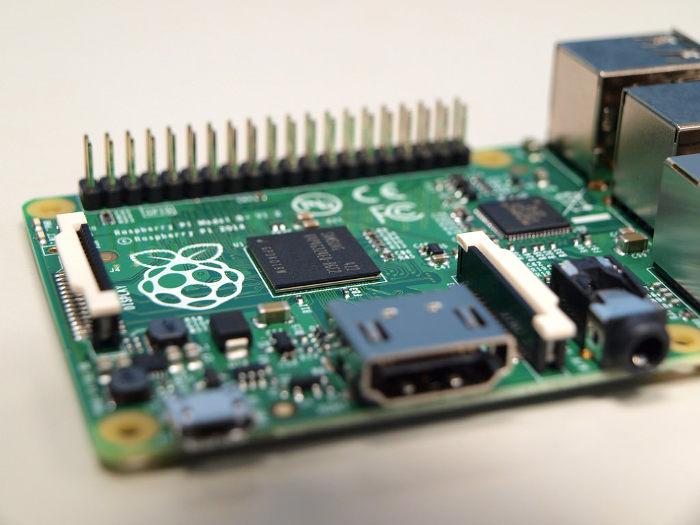 mtedeals-040516-computer-science-rasp-pi