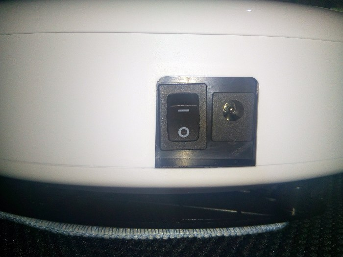 ilife-v5-pro-power-switch-charging-port