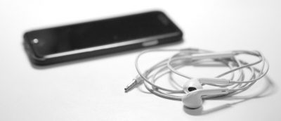 What Do You Think of Smartphones Doing Away with Headphone Ports?