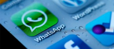 How to Read WhatsApp and Facebook Messages Without Triggering Read Receipts