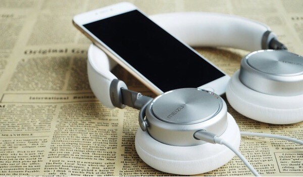 writers-opinion-headphone-headset
