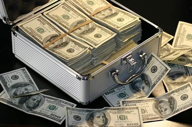 fake-news-money