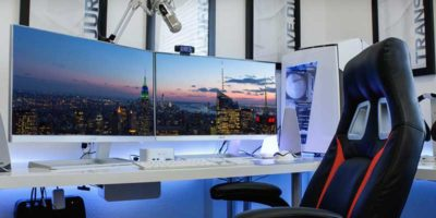 How to Set Different Wallpapers on Different Monitors in Windows 10