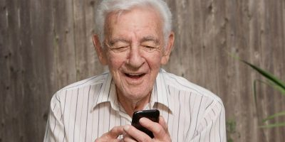 5 of the Best Smartphones for Seniors