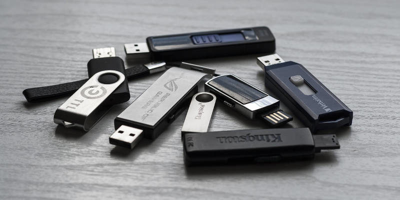 How to Choose a Filesystem for Your USB Drive - Make Tech Easier