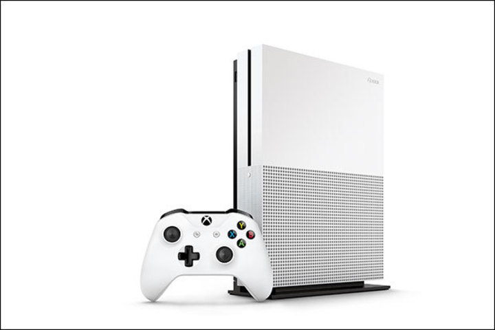 xbox-one-s-standing