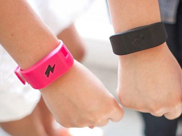 dragify-website-hosting-wristband