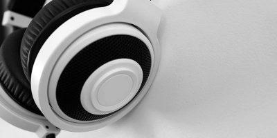 Top 4 Desktop Headphone Stands for Your Desk