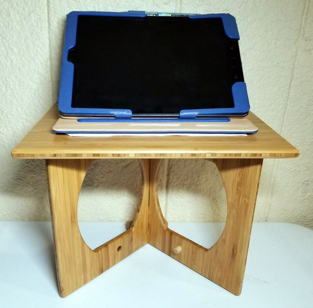 standstand-using-tablet