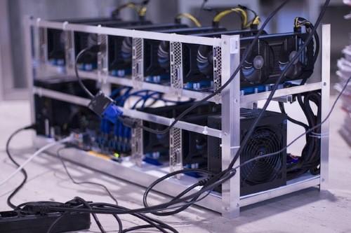cryptojacking-mining-rig