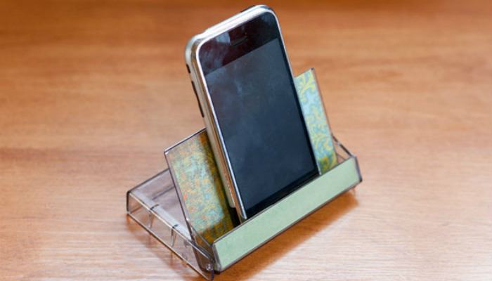 6 Clever Diy Smartphone Stands You Can Make Easily Make Tech Easier