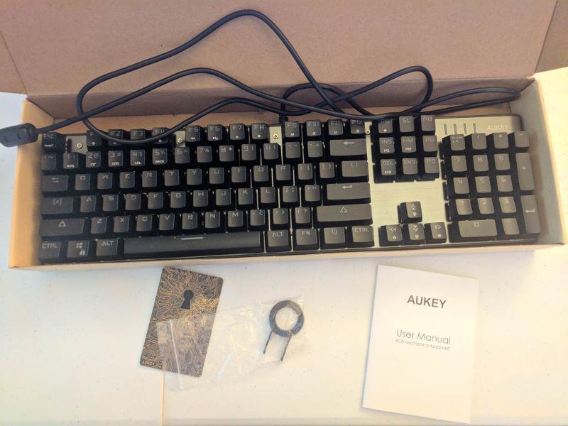 aukey-mechanical-keyboard-unboxing