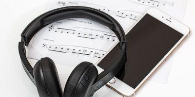 How Loud Should Your Headphones Be?