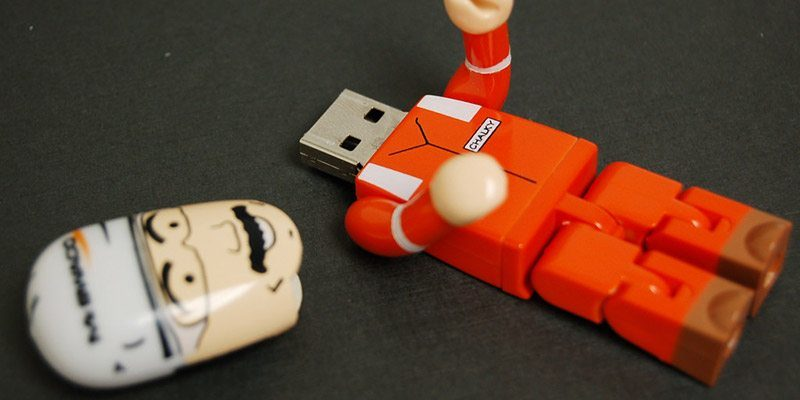 How to Boot from a USB Drive in VMware - Make Tech Easier