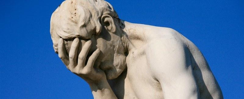 databreach-statue