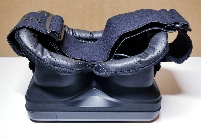 moggles-adjustable-strap