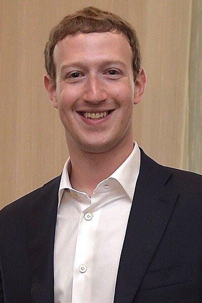 news-facebook-usage-zuckerberg