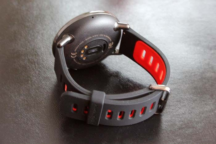 xiaomi-amazfit-back-and-strap