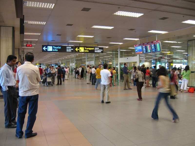 news-facial-recognition-singapore-airport-crowd