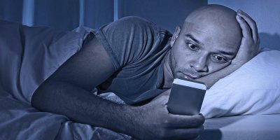 5 Night Mode Apps for Android to Help You Read Better at Night