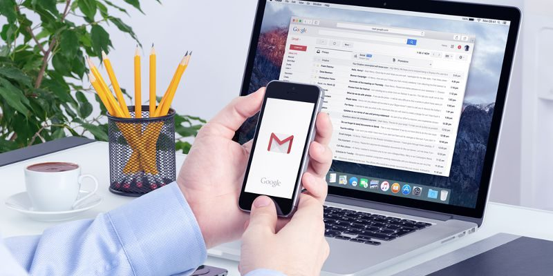 access-gmail-emails-featured
