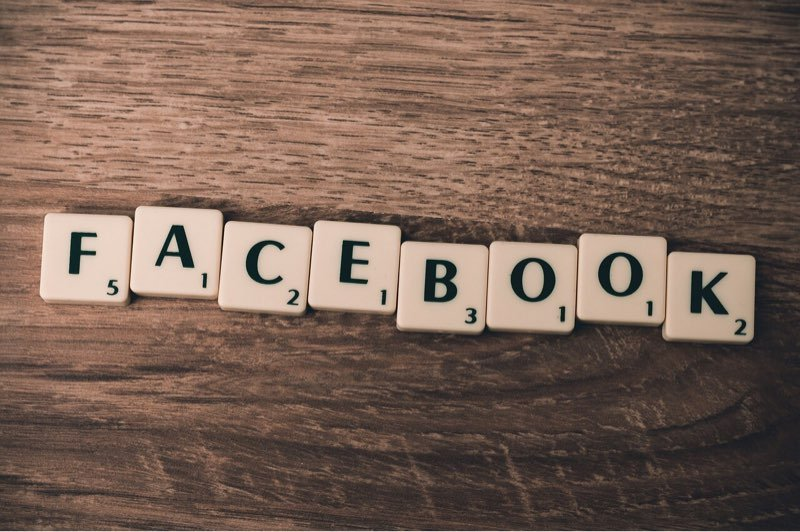 writers-opinion-pay-social-media-facebook