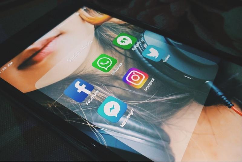 news-facebook-wiretap-messenger-apps