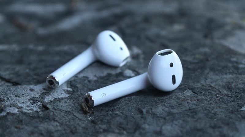 wire-free-headphones