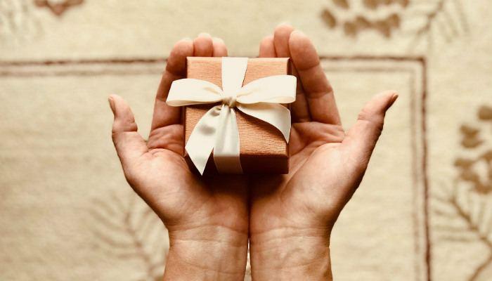 incognito-gift