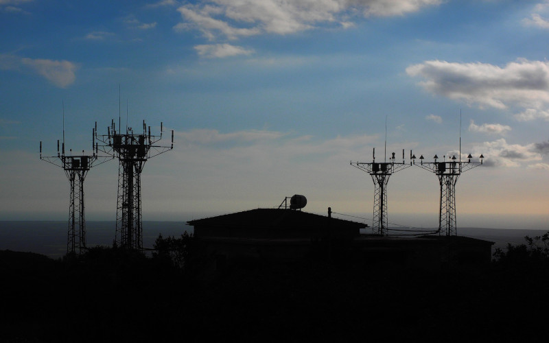 band-71-cell-tower