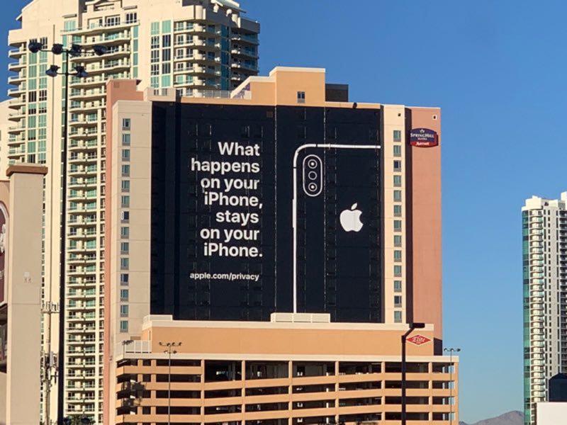 news-apple-billboard-twitter3