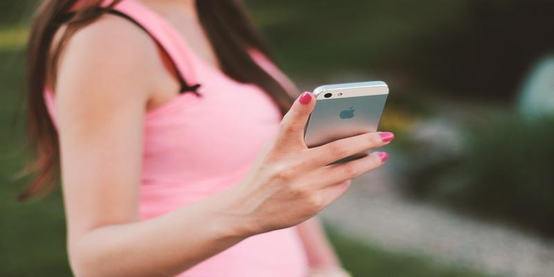 Anda dapat mengatur aplikasi Anda, berdasarkan cara Anda memegang iPhone.