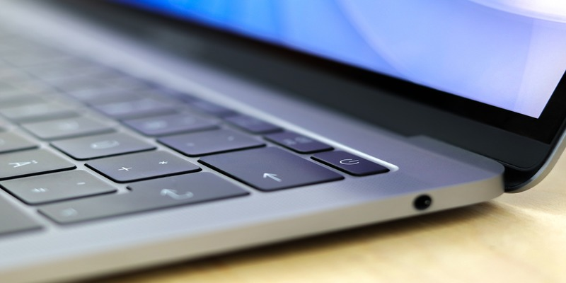 How to Fix a Water Damaged Macbook - Make Tech Easier
