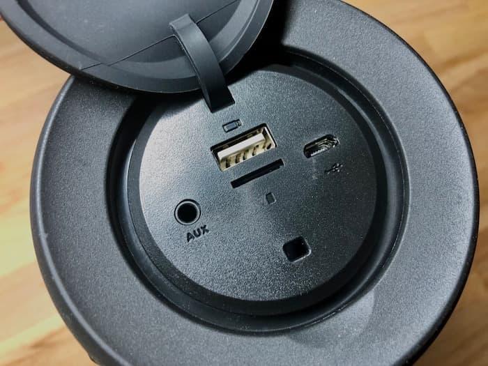 zenbre-charging-port