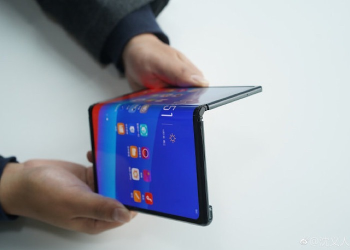 writers-opinion-foldable-phone-content