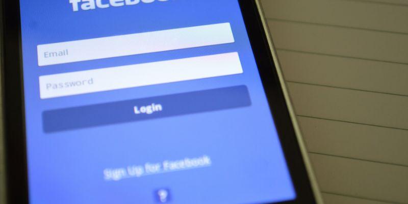 Как преобразовать учетную запись Facebook в память