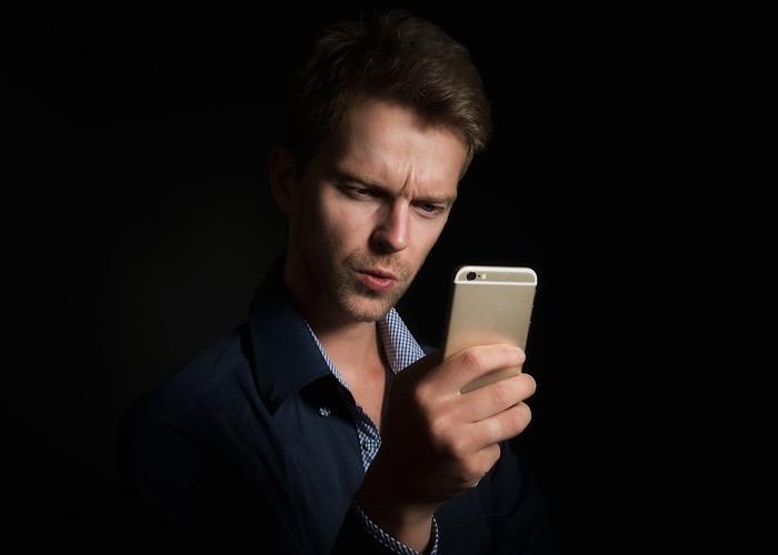 News Iphone App Data Tracker Man