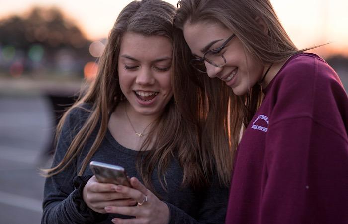 News Facebook Messenger Kids Girls
