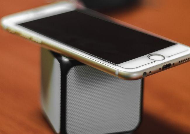 वॉयस डिक्टेशन टिप्स Iphone स्पीकर